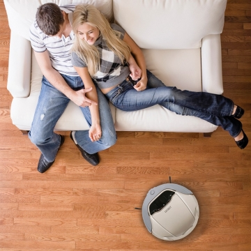 3 Advantages of Using a Robot Vacuum Picture