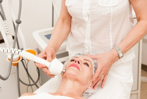 Beauty clinics 5 services that help you look fabulous at 50_2