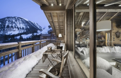 Choosing the perfect chalet for your ski trip to Courchevel_1