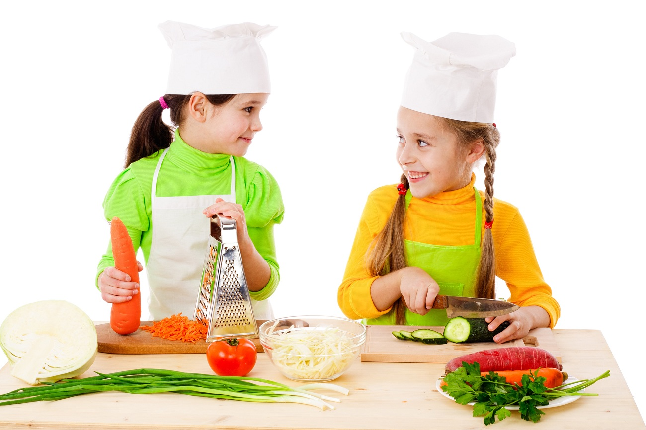 The Benefits of Cooking With Children | BlogLet.com
