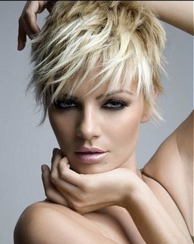 The Most Popular Short Haircuts for Modern Women | BlogLet.com