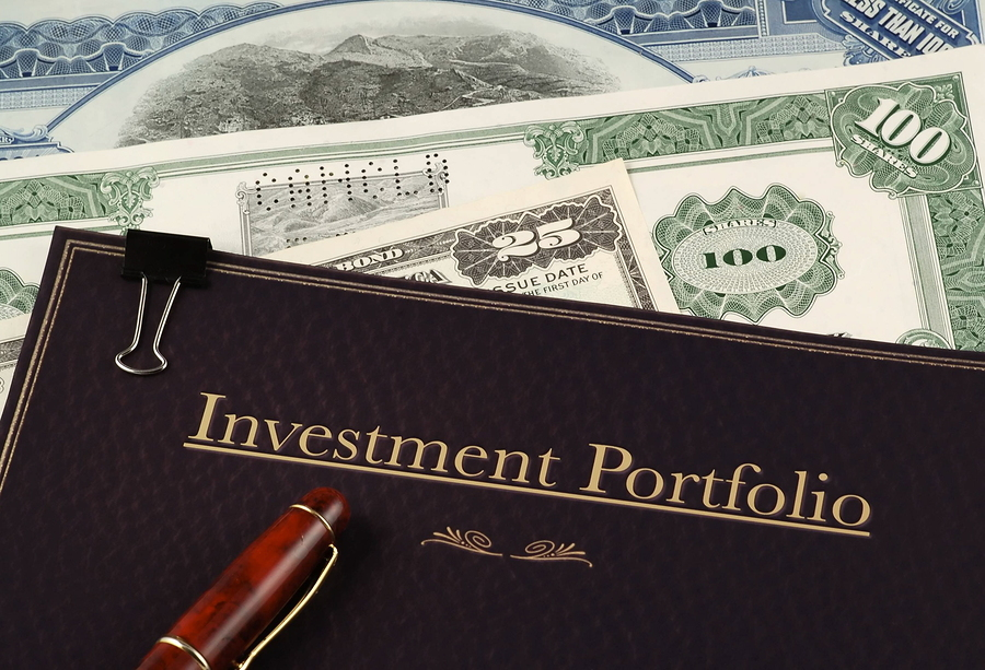portfolio for investors For investors who don't have a lot of cash, this portfolio lets you get into good funds with low minimums 70% stocks | 30% bonds.