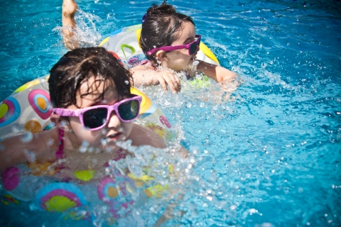 Developmental advantages linked to swimming in children
