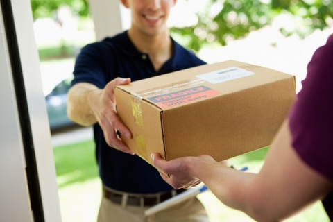 Dos and donts when sending a box abroad_1
