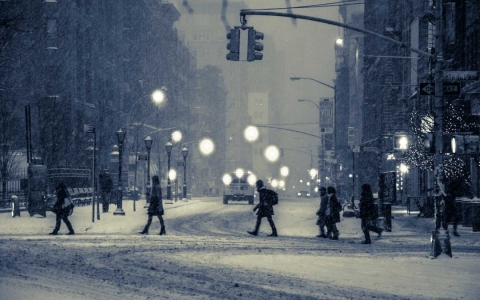 Essential tips to stay healthy and safe during winter _3