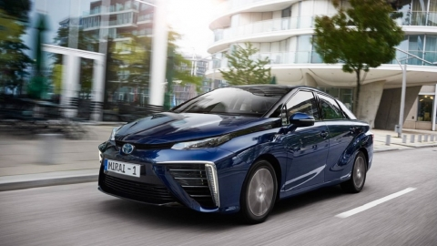 Hydrogen Fuel-Cell Cars Threatening EVs - What the Future Holds for Drivers Picture