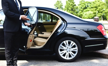 Should you hire an airport taxi