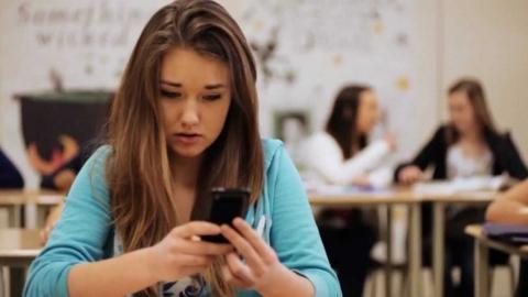 Strategies to keep your children safe online and offline4